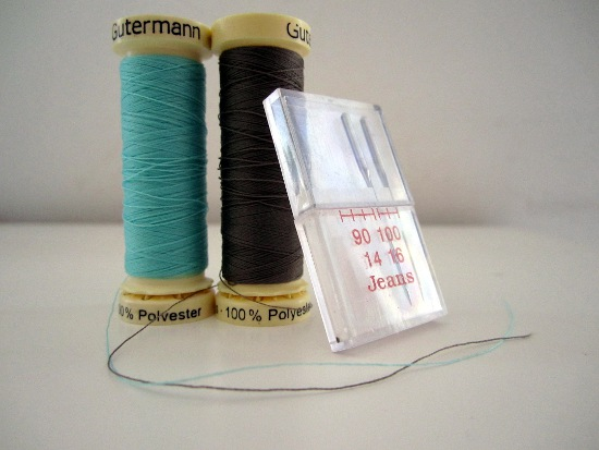 fil et aiguille pour coudre du simili cuir