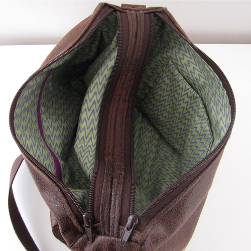 Zip-Zip compartmentalized messenger bag