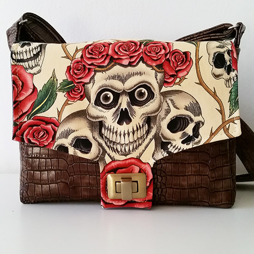 Menuet Sacôtin bag pattern - The rose tattoo (skulls & roses) Alexander Henry fabrics